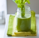 green-ginger-celery-juice-9